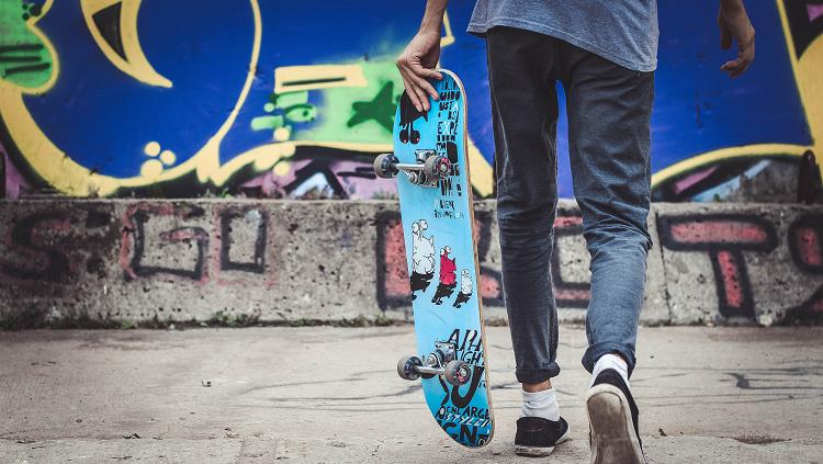 boy with skate board